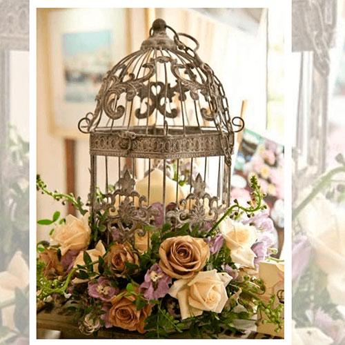 Imagen de Centros de mesa con flores gold floristería florilandia express