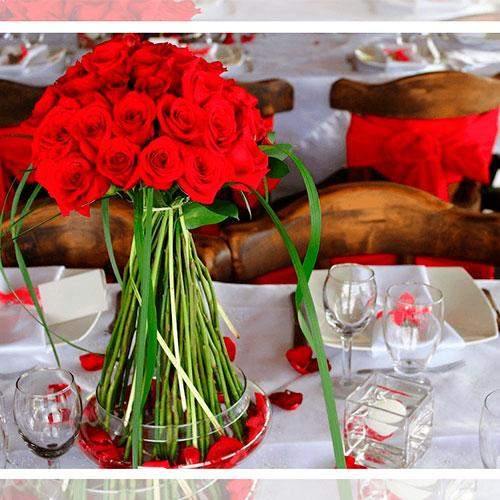 Imagen de Centros de mesa con flores pasión floristería florilandia express