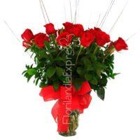 Imagen arreglo florales Jarrón con Rosas Hungría Floristería Florilandia Express