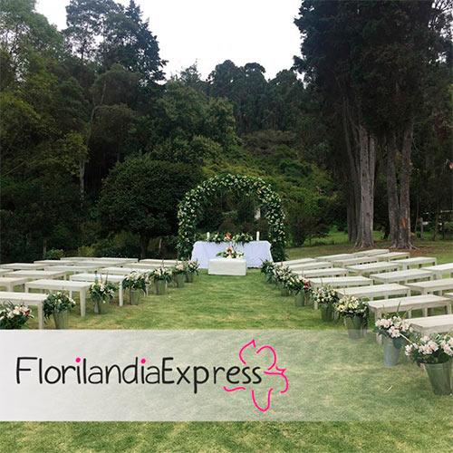 Imagen de Arreglos para iglesias Eventos Florilandia Express Floristería en Bogotá