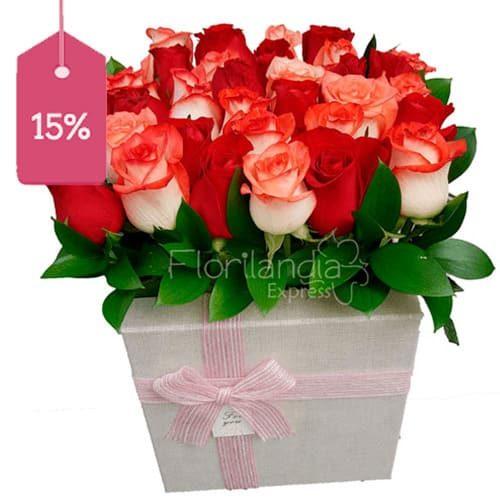 Hemosa caja de rosas a domicilio