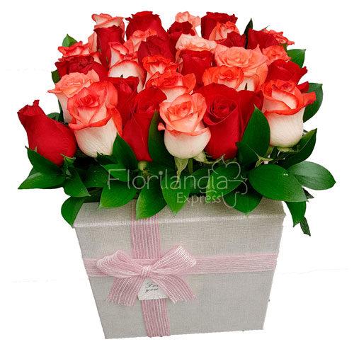 Imagen de Caja de rosas dulzura a domicilio en Bogotá - Floristerías Florilandia Express