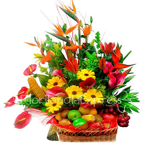 Imagen de Canasta de Flores y Frutas Finlandia - Floristería Florilandia Express