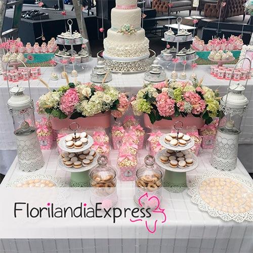 Imagen de Mesa de postres para bodas - mesas de postres Eventos Floristería Florilandia Express