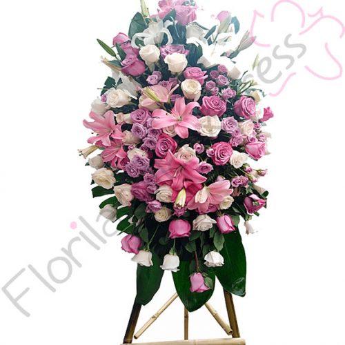 Imagen de Atril Fúnebre a domicilio Elías - Floristerías Florilandia Express - Arreglos fúnebres