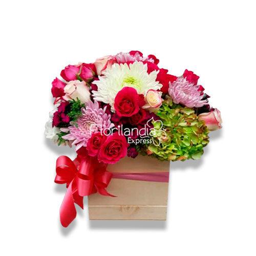 imagen de Caja de flores del campo en base de madera - Floristería en Bogotá Florilandia Express