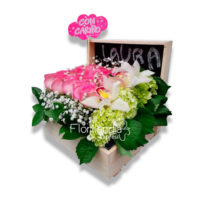 imagen de caja de flores primaveral - Floristerías en Bogotá Florilandia Express