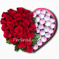 Imagen de Caja de rosas con huevos Kinder flores a domicilio Bogotá - Floristería Florilandia Express